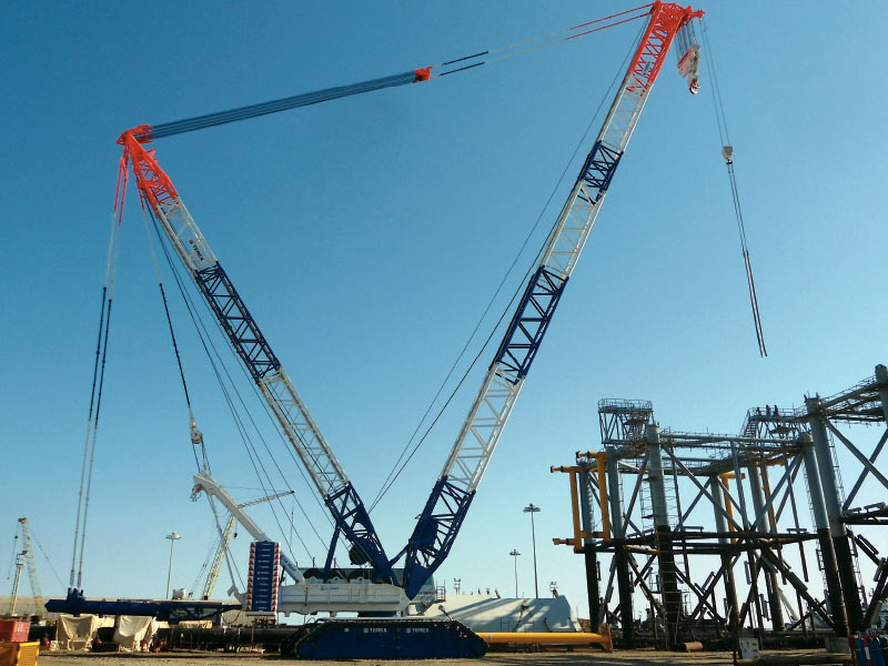 1600 tons capacity crawler crane Terex CC 8800-1 with a main boom of 108 meters and a 108 m fly jib has been added to machinery park.