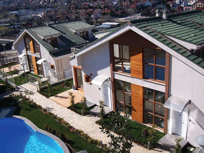 Phase I : Turnkey construction of 6 villas.